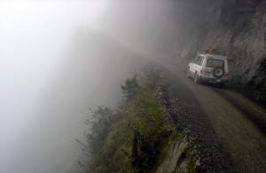 16396260-R3L8T8D-900-most-dangerous-amazing-roads-in-the-world-North-Yungas-Road-Bolivia-2